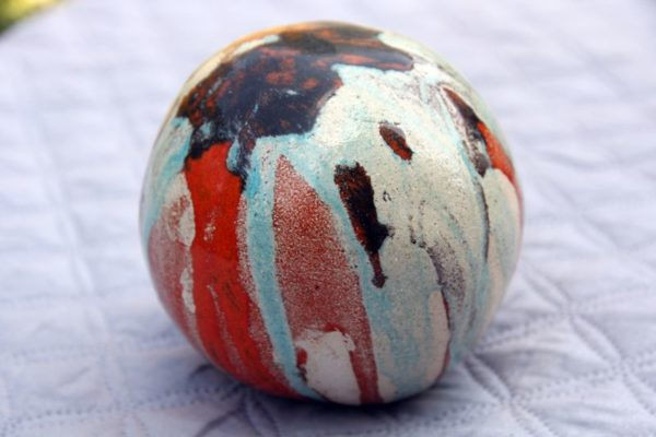 mimo-tseme sculpture, boule en grès émaillée