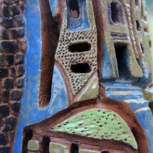 mimo-tseme sculpture tour village multicolore